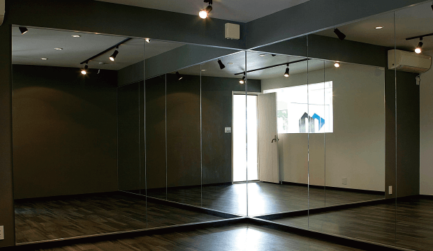 店舗デザイン・インテリアデザイン・内装設計・施工・マンションリノベーション・リフォーム・インテリアコーディネートはcreative design